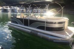 Runaway Bay Pontoon Boat