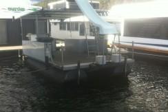 Pontoon Deck Boat